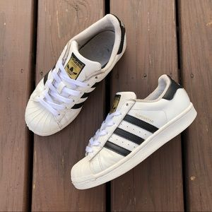 Adidas Superstars Classic Sneakers